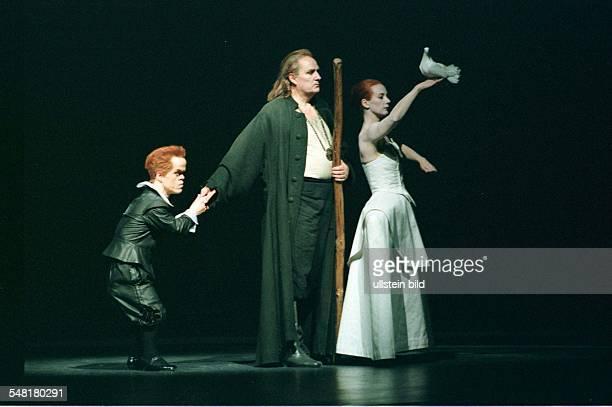 Performance of Darius Milhaud's opera 'Christopher Columbus' in the Berlin State Opera scene with Michael Markfort David PittmanJennings and Margot...
