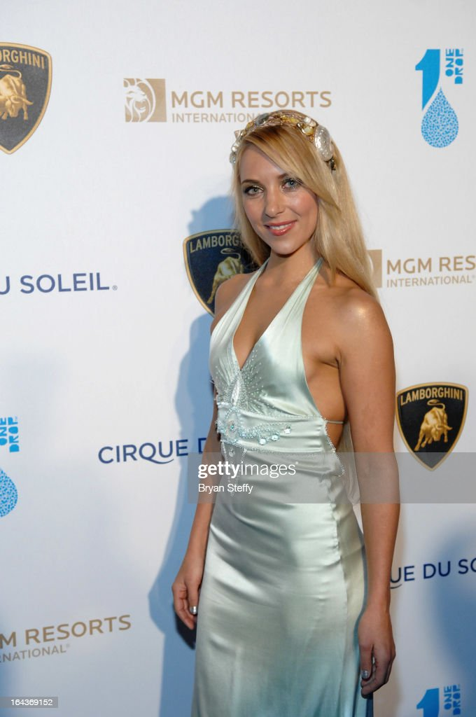 Performer Hannah Fraser arrives at Cirque du Soleil's 'One Night for ONE DROP' at Hyde Bellagio at the Bellagioon March 22, 2013 in Las Vegas, Nevada.