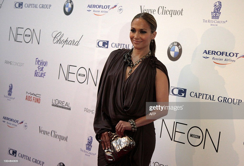 US performer Jennifer Lopez poses for photographers during a photocall in Moscow on May 24, 2010 at a gala fashion for charity event.