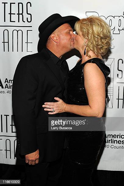 Performer Trisha Yearwood and inductee Garth Brooks attend the Songwriters Hall of Fame 42nd Annual Induction and Awards at The New York Marriott...