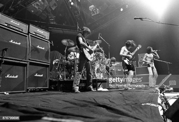 DC performing at Buffalo Memorial Auditorium September 27 1978 Malcolm Young Phil Rudd Malcolm Young Cliff Williams Angus Young Bon Scott
