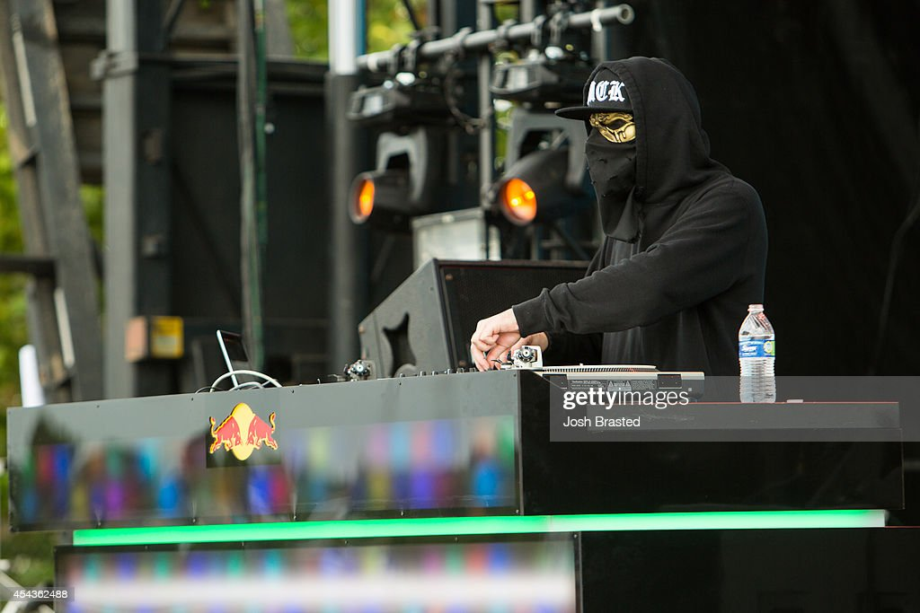 UZ performs at Mad Decent Block Party at Mardi Gras World on August 29, 2014 in New Orleans, Louisiana.