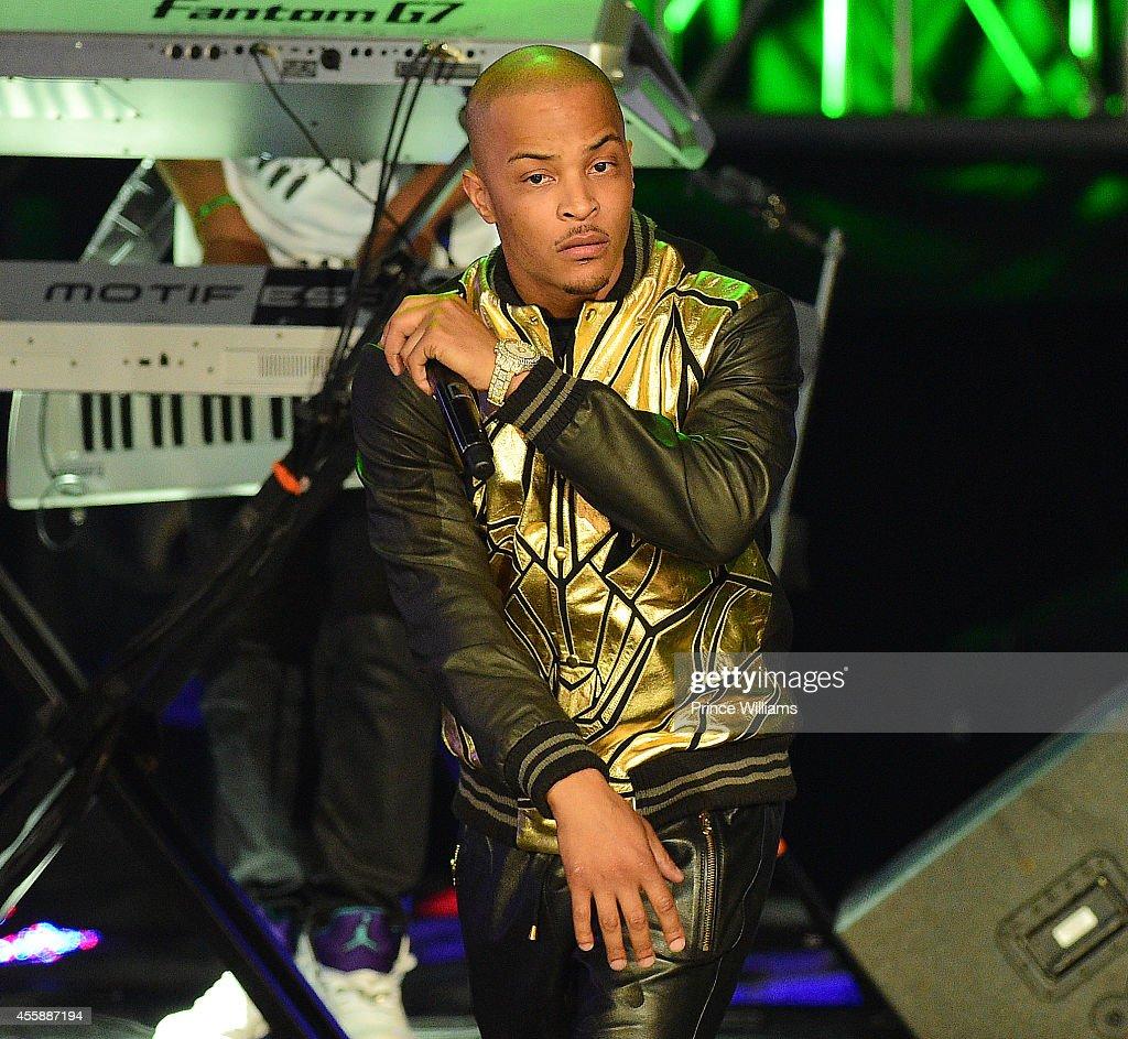 T.I. Performs at The BET Hip Hop Awards at Boisfeuillet Jones Atlanta Civic Center on September 20, 2014 in Atlanta, Georgia.