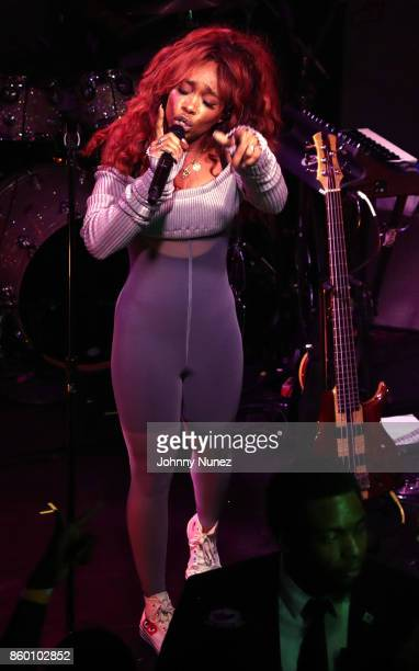 SZA performs at The Box on October 10 2017 in New York City