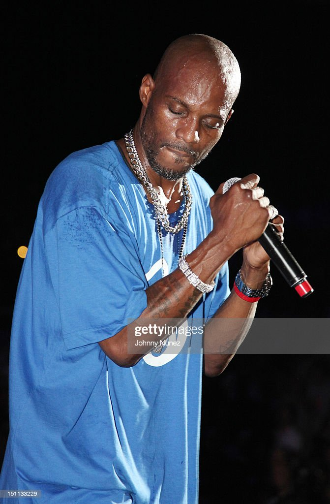 <a gi-track='captionPersonalityLinkClicked' href=/galleries/search?phrase=DMX&family=editorial&specificpeople=211365 ng-click='$event.stopPropagation()'>DMX</a> performs during 2012 Rock The Bells at the PNC Bank Arts Center on September 1, 2012 in Holmdel, New Jersey.