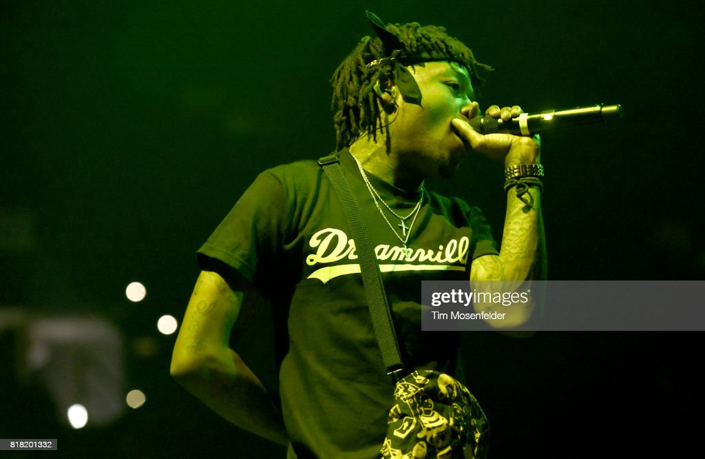 D performs during the '4 Your Eyez Only Tour' at ORACLE Arena on July 14, 2017 in Oakland, California.
