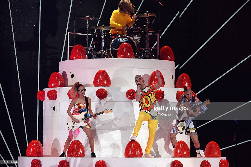 DNCE performs onstage during Nickelodeon's 2016 Kids' Choice Awards at The Forum on March 12, 2016 in Inglewood, California.