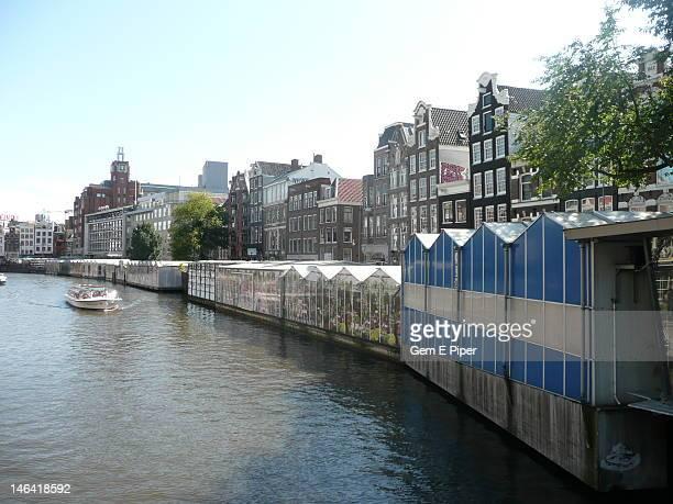 Permanent floating market