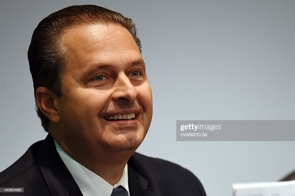 Pernambuco state governor <a gi-track='captionPersonalityLinkClicked' href=/galleries/search?phrase=Eduardo+Campos&family=editorial&specificpeople=2666081 ng-click='$event.stopPropagation()'>Eduardo Campos</a>, candidate of the Brazilian Socialist Party (PSB) for next October's presidential election, speaks with businessmen at the National Industry Confederation headquarters in Brasilia, on July 30, 2014. Campos will face Brazil's President Dilma Rousseff, candidate of the Workers' Party (PT) and Senator Aecio Neves, candidate of the Brazilian Social Democratic Party (PSDB).