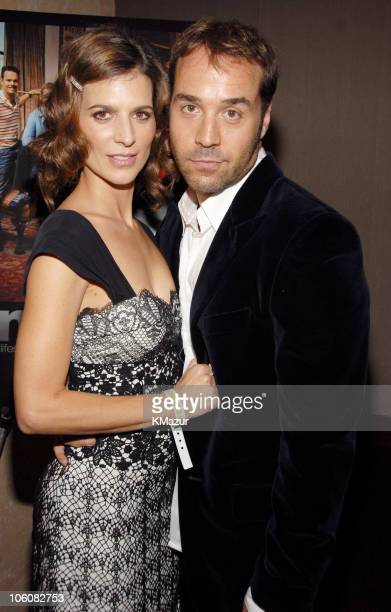 Perrey Reeves and Jeremy Piven during 'Entourage' Season Three New York Premiere Red Carpet at Skirball Center for the Performing Arts at NYU in New...