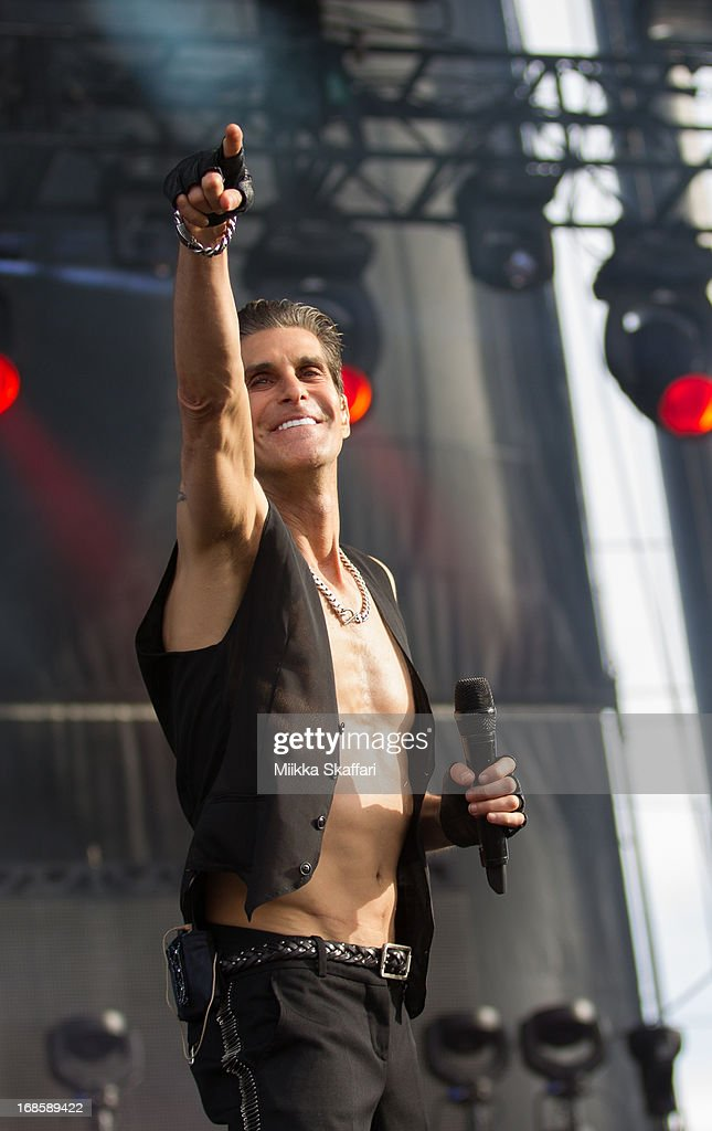 <a gi-track='captionPersonalityLinkClicked' href=/galleries/search?phrase=Perry+Farrell&family=editorial&specificpeople=213012 ng-click='$event.stopPropagation()'>Perry Farrell</a> of Jane's Addiction performing on day 3 of Bottle Rock Napa Valley Festival at Napa Valley Expo on May 11, 2013 in Napa, California.