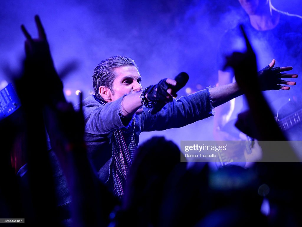 Perry Farrell of Jane's Addiction performs at Brooklyn Bowl Las Vegas on May 9 2014 in Las Vegas Nevada