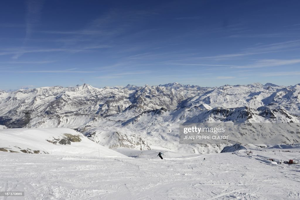A person skis in Tignes on November 8, 2013 ahead of the 2014 Winter Olympics in Sochi. AFP PHOTO /JEAN-PIERRE CLATOT