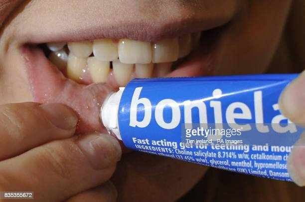 MODEL A person using Bonjela The Medicines and Healthcare products Regulatory Agency have issued an alert on oral pain relief gels which contain...