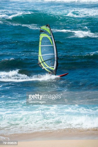 Person windsurfing in the sea, Hookipa Beach Park, Maui, Hawaii Islands, USA : Foto de stock