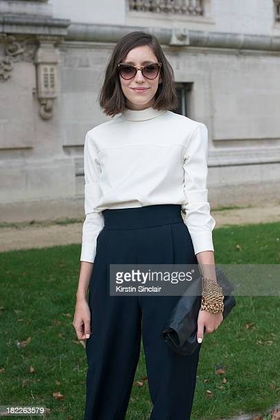 personal shopper and freelance stylist letitia roukbi wears marc jacobs top zara trousers tara jarmon bag - Freelance Stylist