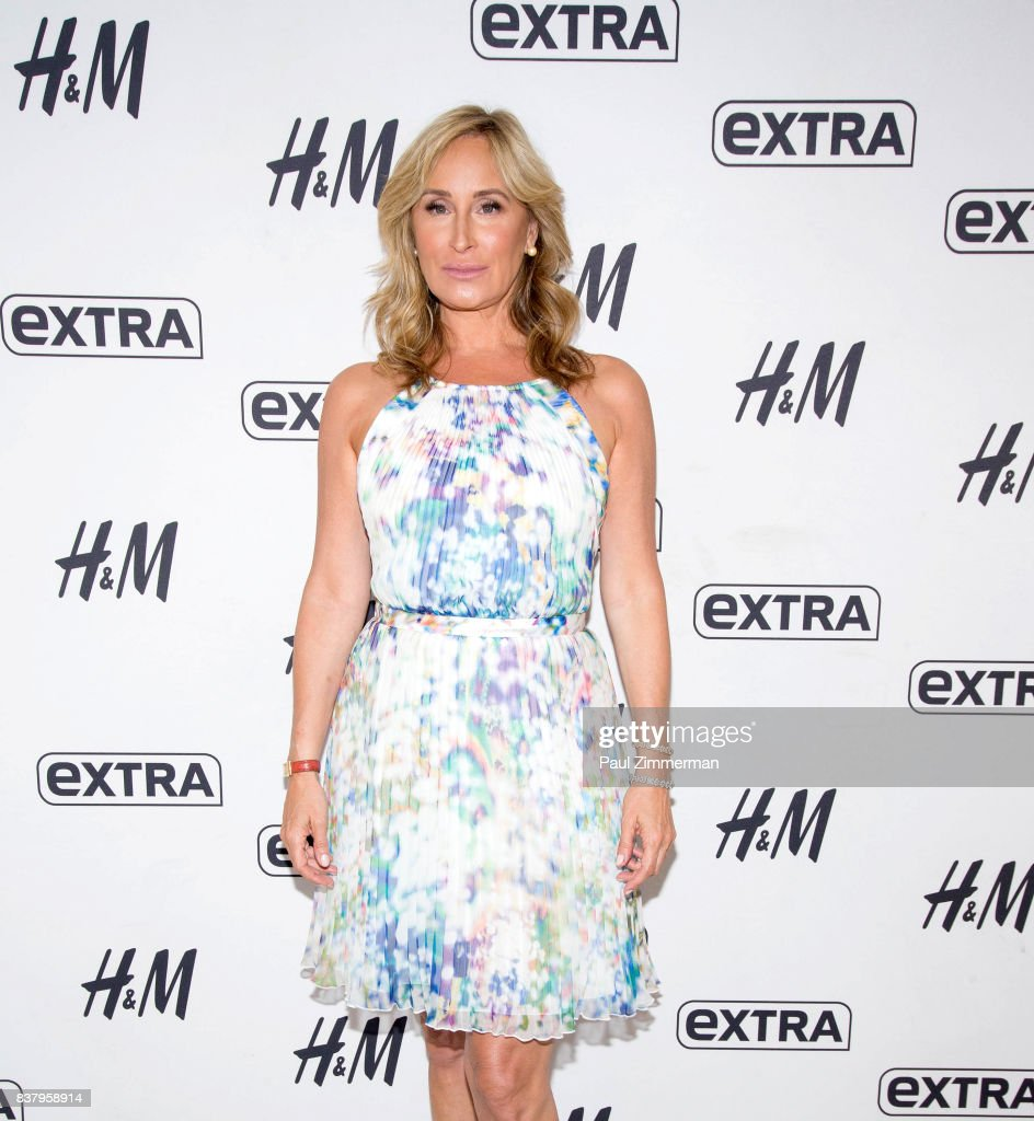 TV personalities from 'Real Housewives of New York' Sonja Morgan visits 'Extra' at their New York studios at H&M in Times Square on August 23, 2017 in New York City.