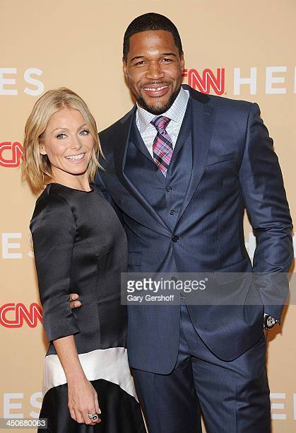 TV personalities Kelly Ripa and Michael Strahan attend the 2013 CNN Heroes An All Star Tribute at The American Museum of Natural History on November...