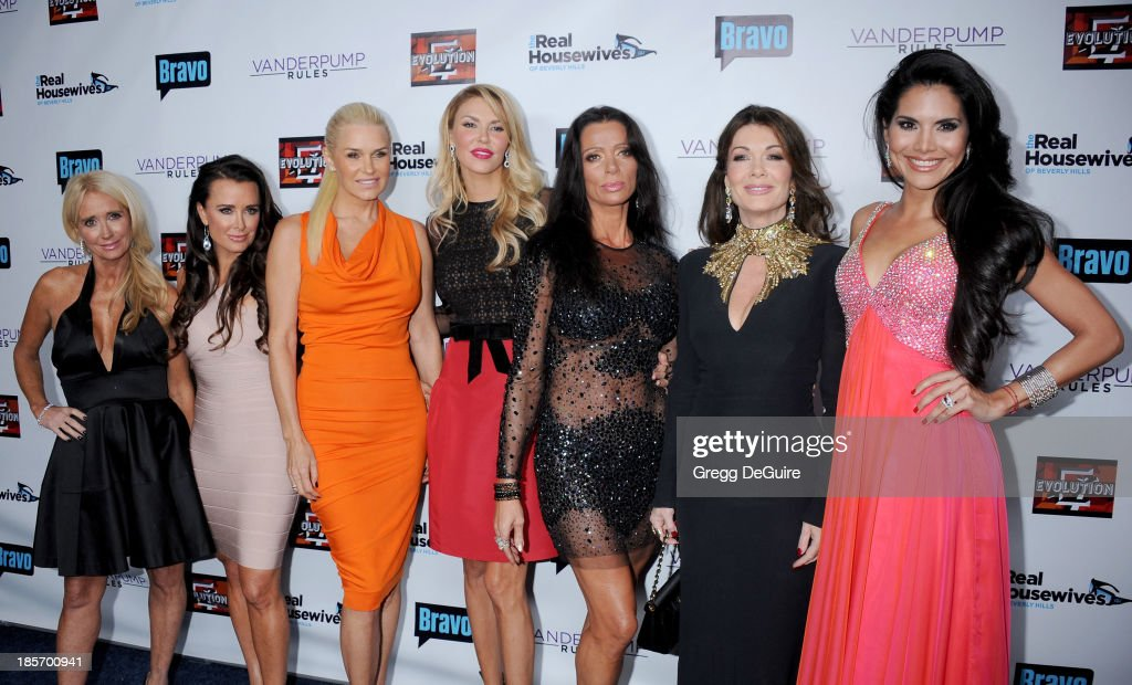 TV personalities <a gi-track='captionPersonalityLinkClicked' href=/galleries/search?phrase=Kim+Richards&family=editorial&specificpeople=689572 ng-click='$event.stopPropagation()'>Kim Richards</a>, <a gi-track='captionPersonalityLinkClicked' href=/galleries/search?phrase=Kyle+Richards&family=editorial&specificpeople=2586434 ng-click='$event.stopPropagation()'>Kyle Richards</a>, Yolanda H. Foster, <a gi-track='captionPersonalityLinkClicked' href=/galleries/search?phrase=Brandi+Glanville&family=editorial&specificpeople=841250 ng-click='$event.stopPropagation()'>Brandi Glanville</a>, Carlton Gebbia, <a gi-track='captionPersonalityLinkClicked' href=/galleries/search?phrase=Lisa+Vanderpump&family=editorial&specificpeople=6834933 ng-click='$event.stopPropagation()'>Lisa Vanderpump</a> and Joyce Giraud de Ohoven arrive at 'The Real Housewives Of Beverly Hills' And 'Vanderpump Rules' premiere party at Boulevard3 on October 23, 2013 in Hollywood, California.