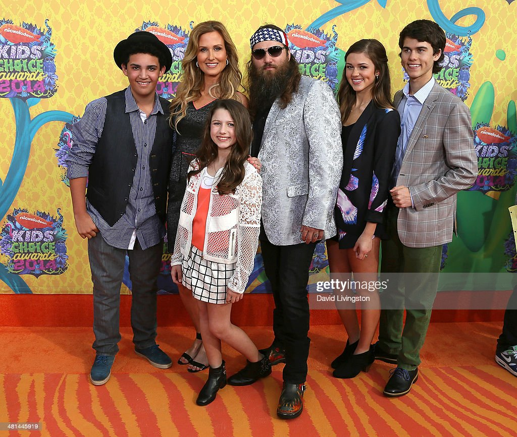 TV personalities Lil Will Robertson, Korie Robertson, Bella Robertson, Willie Robertson, Sadie Robertson and John Luke Robertson from Duck Dynasty attend Nickelodeon's 27th Annual Kids' Choice Awards at USC Galen Center on March 29, 2014 in Los Angeles, California.