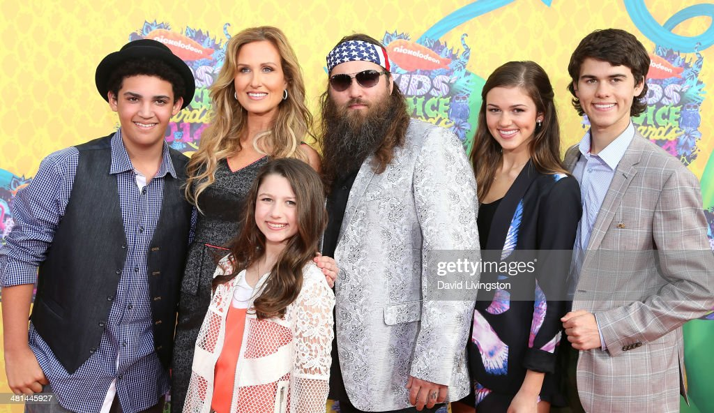 TV personalities Lil Will Robertson, <a gi-track='captionPersonalityLinkClicked' href=/galleries/search?phrase=Korie+Robertson&family=editorial&specificpeople=9195966 ng-click='$event.stopPropagation()'>Korie Robertson</a>, Bella Robertson, <a gi-track='captionPersonalityLinkClicked' href=/galleries/search?phrase=Willie+Robertson&family=editorial&specificpeople=2788954 ng-click='$event.stopPropagation()'>Willie Robertson</a>, <a gi-track='captionPersonalityLinkClicked' href=/galleries/search?phrase=Sadie+Robertson&family=editorial&specificpeople=11358350 ng-click='$event.stopPropagation()'>Sadie Robertson</a> and John Luke Robertson from Duck Dynasty attend Nickelodeon's 27th Annual Kids' Choice Awards at USC Galen Center on March 29, 2014 in Los Angeles, California.