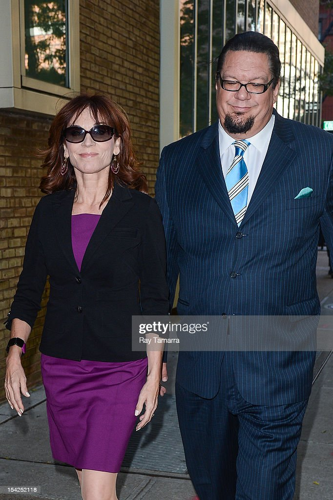 TV personalities Marilu Henner (L) and Penn Jillette leave the 'Live With Kelly And Michael' taping at the ABC Lincoln Center Studios on October 16, 2012 in New York City.
