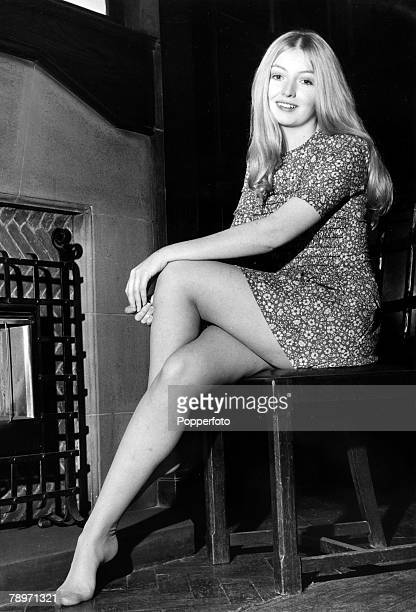 21st August 1970 Welsh folk singer Mary Hopkin Mary Hopkin enjoyed a No 1 hit with her first single 'Those Were The Days'