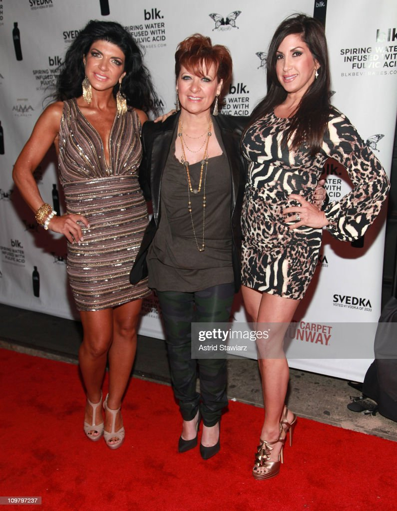 Jacqueline Laurita & Caroline Manzo Visit Kiss & Fly