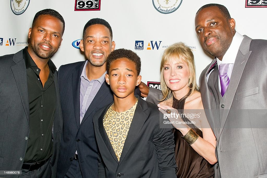TV personality AJ Calloway, actors <a gi-track='captionPersonalityLinkClicked' href=/galleries/search?phrase=Will+Smith+-+Actor+-+Born+1968&family=editorial&specificpeople=156403 ng-click='$event.stopPropagation()'>Will Smith</a> and <a gi-track='captionPersonalityLinkClicked' href=/galleries/search?phrase=Jaden+Smith&family=editorial&specificpeople=709174 ng-click='$event.stopPropagation()'>Jaden Smith</a>, Marla Green DiDio, founder, American Benefactor Foundation and honoree Charles 'Charlie Mack' Alston attend the American Benefactor Foundation 'I WILL Be Great Leaders' Ceremony honoring Charles Alston at Drexel University on July 20, 2012 in Philadelphia, Pennsylvania.