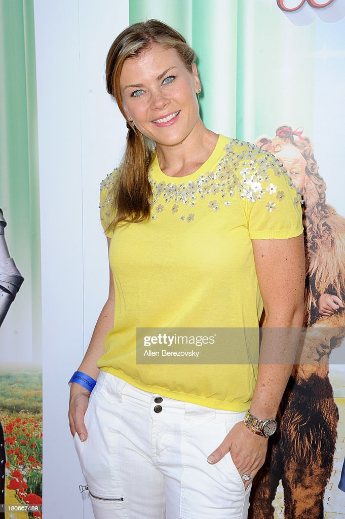 TV personality <a gi-track='captionPersonalityLinkClicked' href=/galleries/search?phrase=Alison+Sweeney&family=editorial&specificpeople=217974 ng-click='$event.stopPropagation()'>Alison Sweeney</a> arrives at the world premiere of 'The Wizard Of Oz 3D' and grand opening of the new TCL Chinese Theatre IMAX at TCL Chinese Theatre on September 15, 2013 in Hollywood, California.