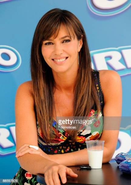 TV personality Arancha del Sol attends Oreo Guiness World Record event at the Palacio de los Deportes on June 20 2009 in Madrid Spain