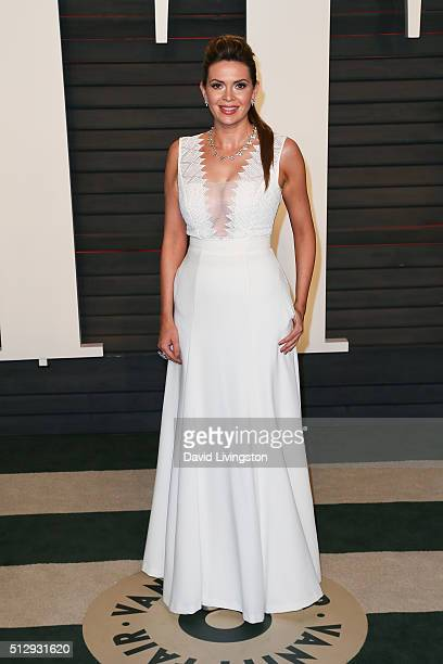 TV personality Carly Steel arrives at the 2016 Vanity Fair Oscar Party Hosted by Graydon Carter at the Wallis Annenberg Center for the Performing...