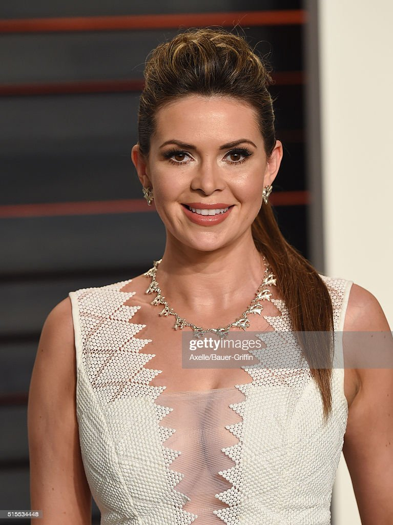 TV personality Carly Steel arrives at the 2016 Vanity Fair Oscar Party Hosted By Graydon Carter at Wallis Annenberg Center for the Performing Arts on February 28, 2016 in Beverly Hills, California.