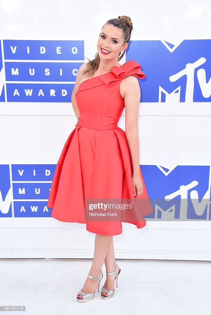 TV personality Carly Steel attends the 2016 MTV Video Music Awards at Madison Square Garden on August 28 2016 in New York City