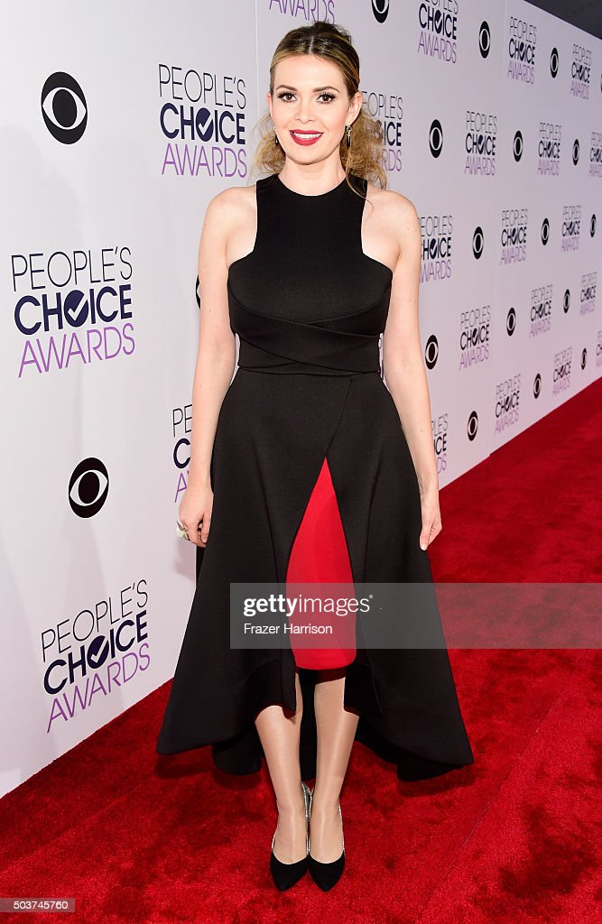 TV personality Carly Steel attends the People's Choice Awards 2016 at Microsoft Theater on January 6 2016 in Los Angeles California