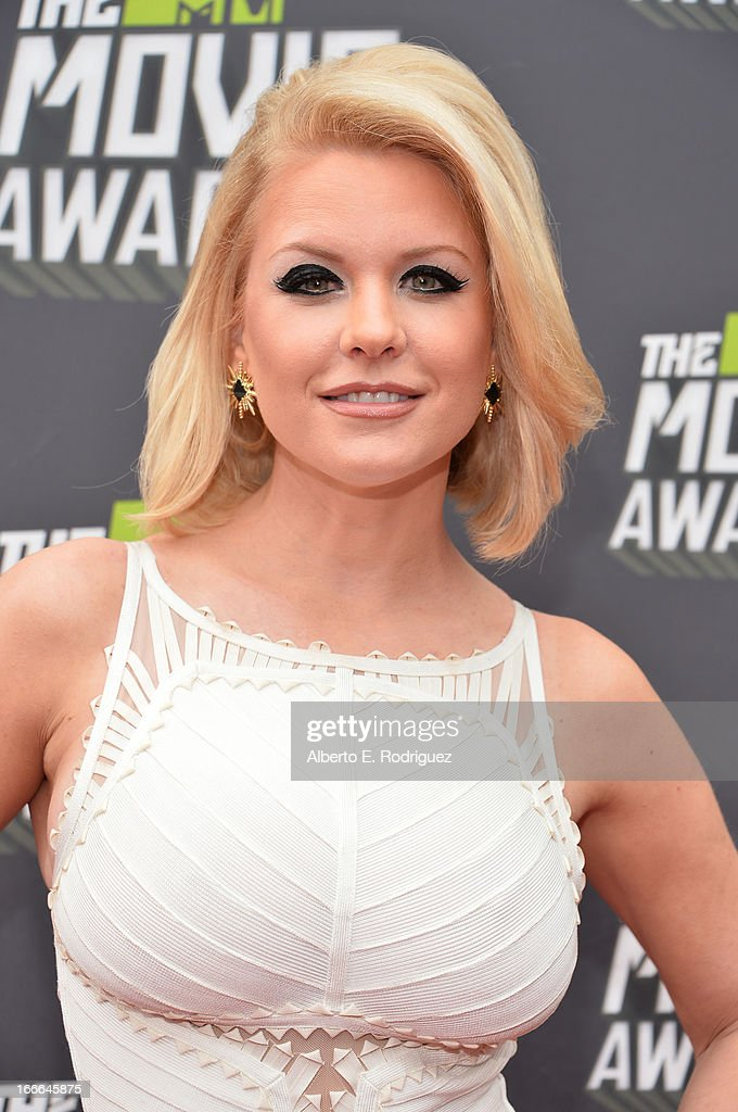 TV personality Carrie Keagan arrives at the 2013 MTV Movie Awards at Sony Pictures Studios on April 14, 2013 in Culver City, California.