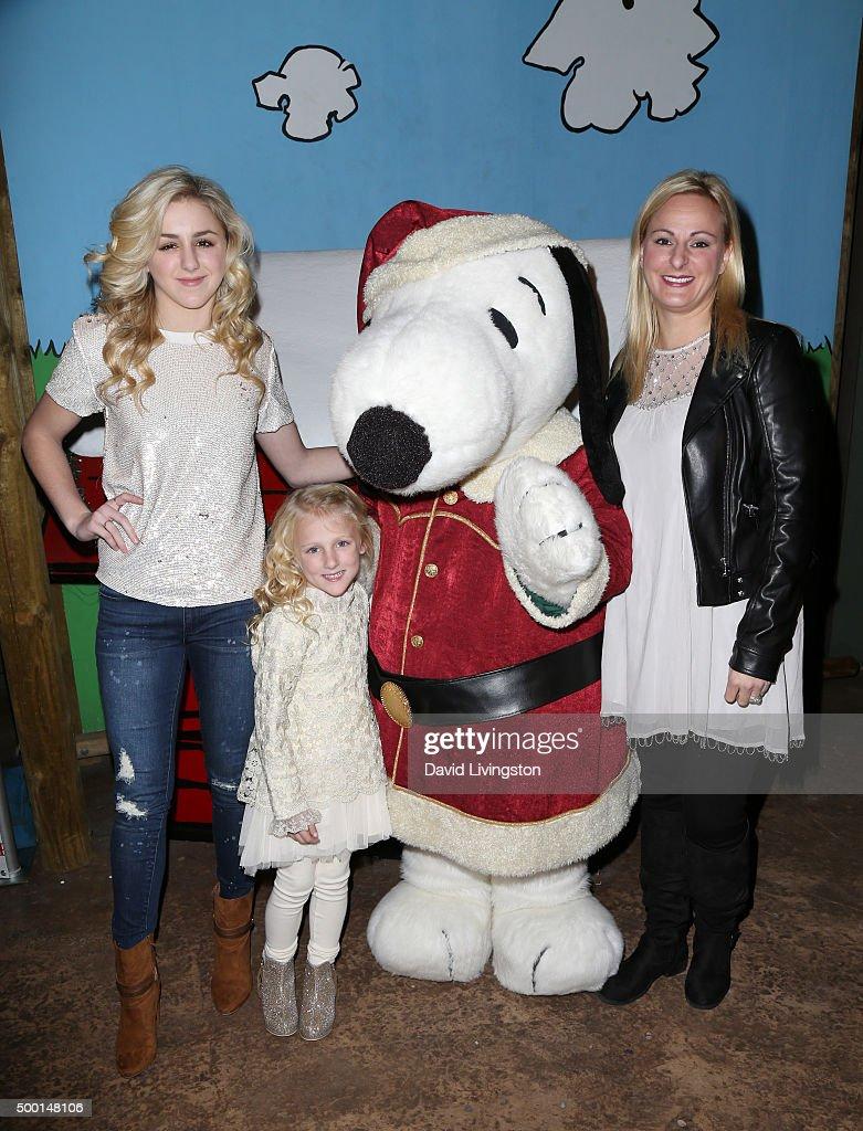 TV personality Chloe Lukasiak Clara Lukasiak Snoopy and Christi Lukasiak attend Knott's Berry Farm's Countdown To Christmas And Snoopy's Merriest...