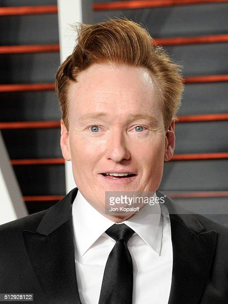 Personality Conan O'Brien attends the 2016 Vanity Fair Oscar Party hosted By Graydon Carter at Wallis Annenberg Center for the Performing Arts on...