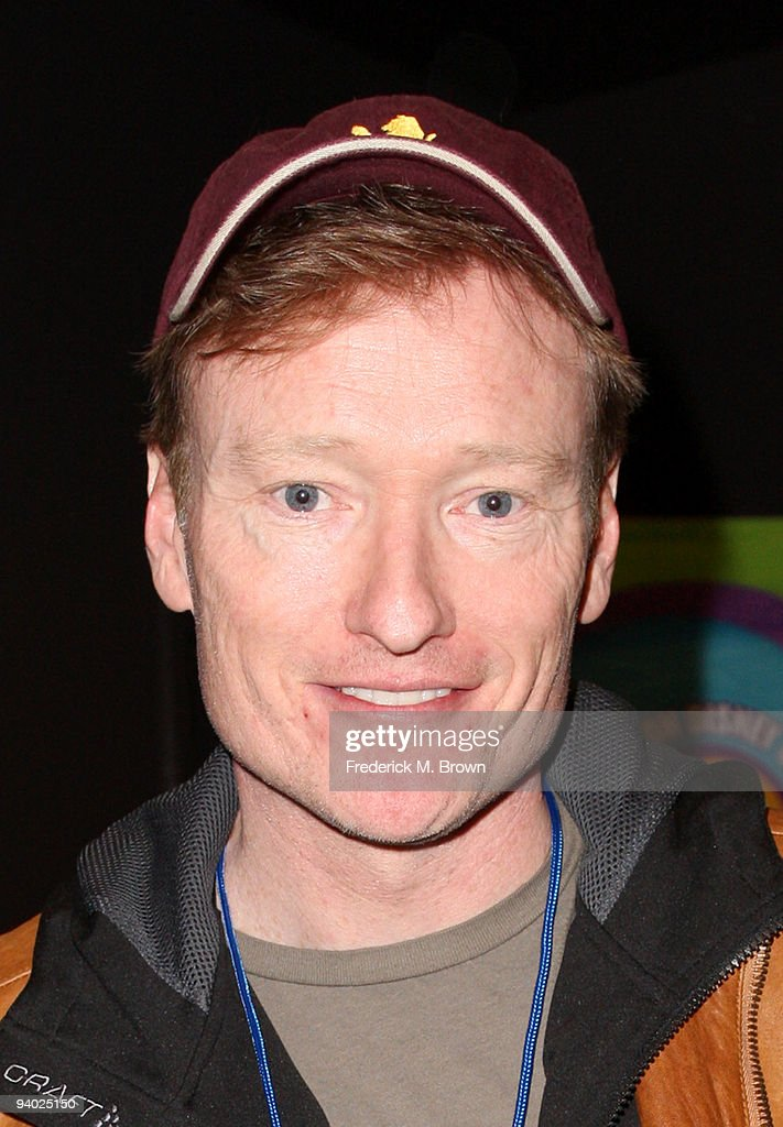 TV Personality <a gi-track='captionPersonalityLinkClicked' href=/galleries/search?phrase=Conan+O%27Brien&family=editorial&specificpeople=208095 ng-click='$event.stopPropagation()'>Conan O'Brien</a> with Disney's Imagination Movers in Los Angeles during their first ever US concert tour at Club Nokia on December 5, 2009 in Los Angeles, California.