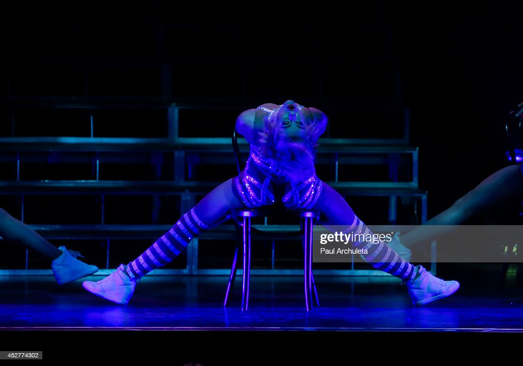 TV Personality / Dancer Julianne Hough performs in the 'Move Live On Tour' concert at the Orpheum Theatre on July 26, 2014 in Los Angeles, California.