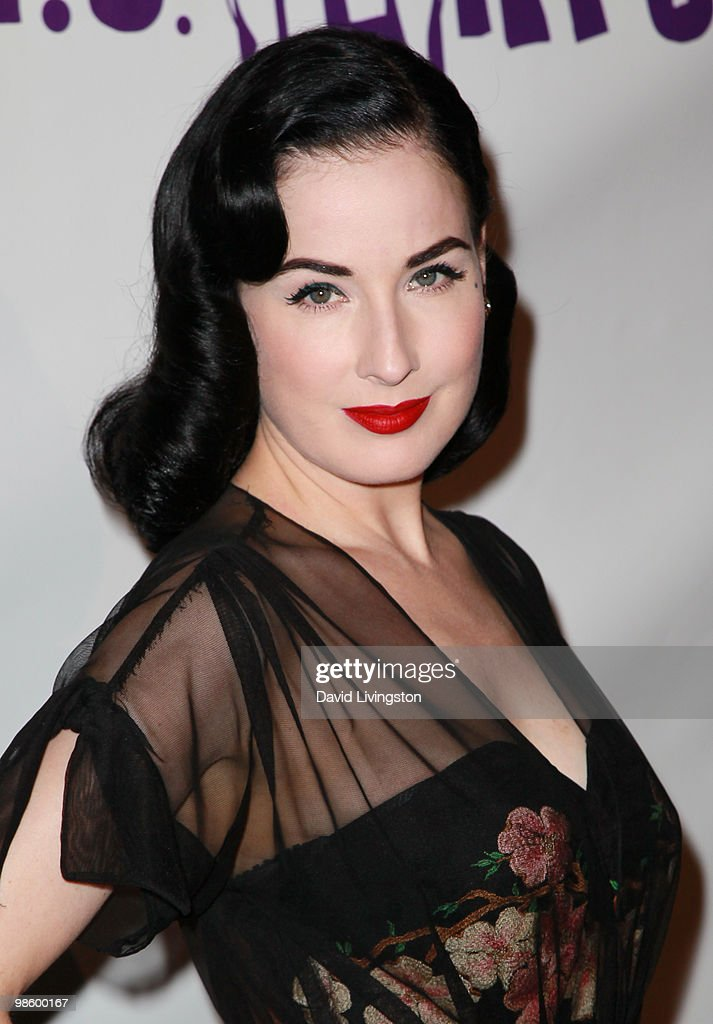 TV personality <a gi-track='captionPersonalityLinkClicked' href=/galleries/search?phrase=Dita+Von+Teese&family=editorial&specificpeople=210578 ng-click='$event.stopPropagation()'>Dita Von Teese</a> attends the 15th Annual Los Angeles Antique Show Opening Night Preview Party benefiting P.S. ARTS at Barker Hanger on April 21, 2010 in Santa Monica, California.