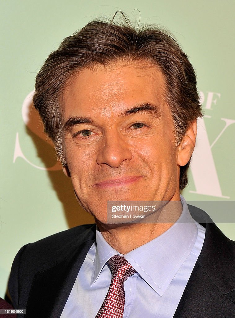 TV personality Dr. <a gi-track='captionPersonalityLinkClicked' href=/galleries/search?phrase=Mehmet+Oz&family=editorial&specificpeople=4175862 ng-click='$event.stopPropagation()'>Mehmet Oz</a> attends The 'Masters Of Sex' New York Series Premiere at The Morgan Library & Museum on September 26, 2013 in New York City.