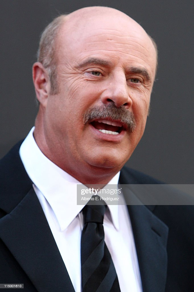 TV personality Dr. <a gi-track='captionPersonalityLinkClicked' href=/galleries/search?phrase=Phil+McGraw&family=editorial&specificpeople=234933 ng-click='$event.stopPropagation()'>Phil McGraw</a> arrives at the 36th Annual Daytime Emmy Awards at The Orpheum Theatre on August 30, 2009 in Los Angeles, California.