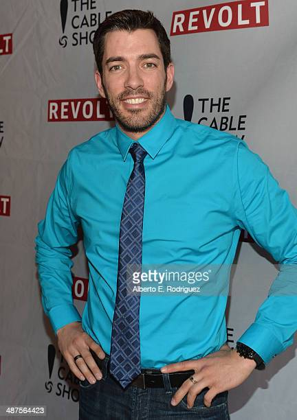 TV personality Drew Scott attends REVOLT and The National Cable and Telecommunications Association's Celebration of Cable at Belasco Theatre on April...