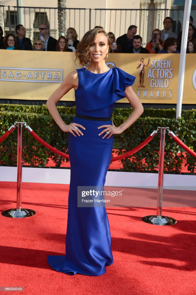 TV personality Giuliana Rancic arrives at the 19th Annual Screen Actors Guild Awards held at The Shrine Auditorium on January 27, 2013 in Los Angeles, California.