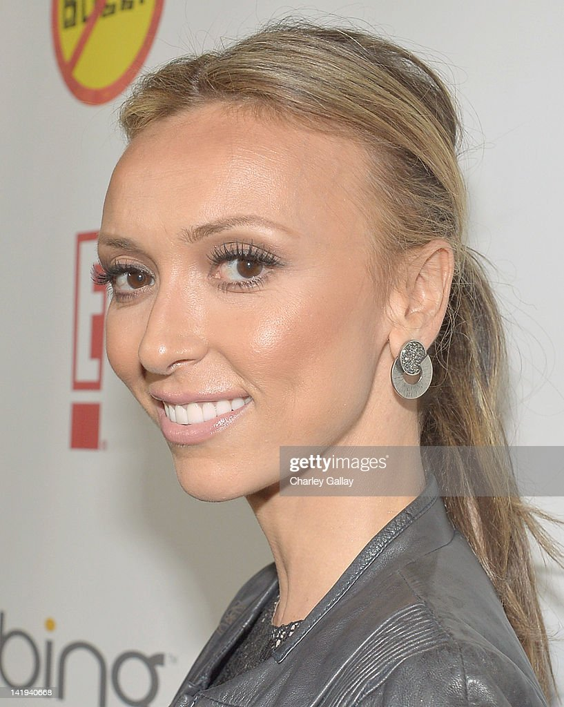 TV personality <a gi-track='captionPersonalityLinkClicked' href=/galleries/search?phrase=Giuliana+Rancic&family=editorial&specificpeople=556124 ng-click='$event.stopPropagation()'>Giuliana Rancic</a> arrives at the Los Angeles Premiere of 'Bully' at Mann Chinese 6 on March 26, 2012 in Los Angeles, California.