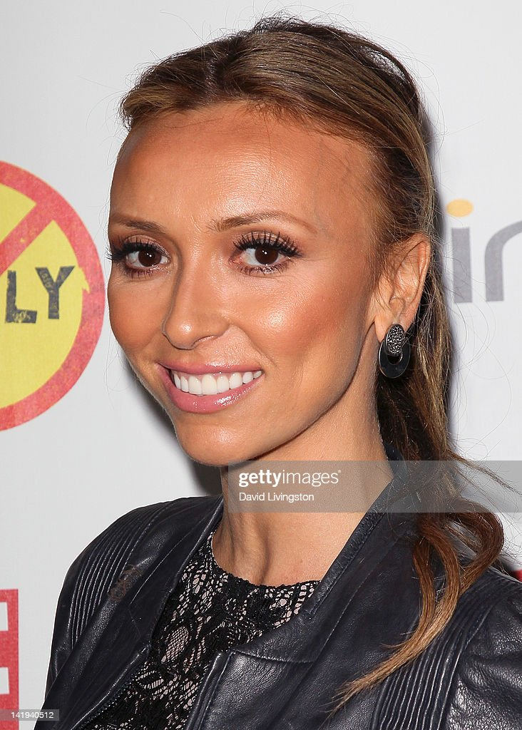 TV personality <a gi-track='captionPersonalityLinkClicked' href=/galleries/search?phrase=Giuliana+Rancic&family=editorial&specificpeople=556124 ng-click='$event.stopPropagation()'>Giuliana Rancic</a> attends the premiere of The Weinstein Company's 'Bully' at the Mann Chinese 6 on March 26, 2012 in Los Angeles, California.