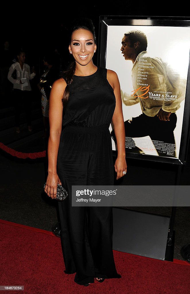 TV personality <a gi-track='captionPersonalityLinkClicked' href=/galleries/search?phrase=Gloria+Govan&family=editorial&specificpeople=7070564 ng-click='$event.stopPropagation()'>Gloria Govan</a> arrives at the Los Angeles premiere of '12 Years A Slave' at Directors Guild Of America on October 14, 2013 in Los Angeles, California.