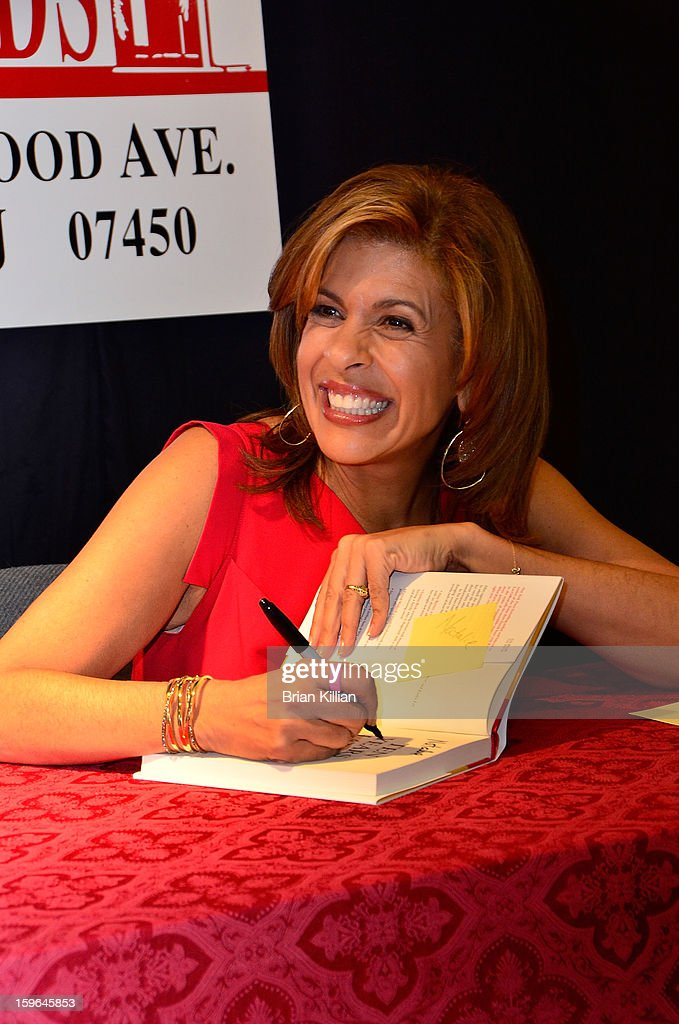 TV personality <a gi-track='captionPersonalityLinkClicked' href=/galleries/search?phrase=Hoda+Kotb&family=editorial&specificpeople=2338013 ng-click='$event.stopPropagation()'>Hoda Kotb</a> signs copies of her book 'Ten Years Later' at Bookends on January 17, 2013 in Ridgewood, New Jersey.