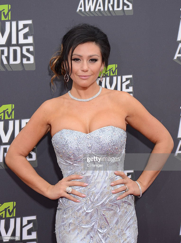 TV personality Jenni 'JWoww' Farley arrives at the 2013 MTV Movie Awards at Sony Pictures Studios on April 14, 2013 in Culver City, California.